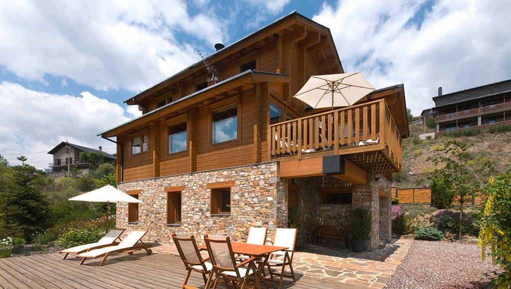 Maison en bois architecte pure et design minimaliste pour for Habitat minimaliste