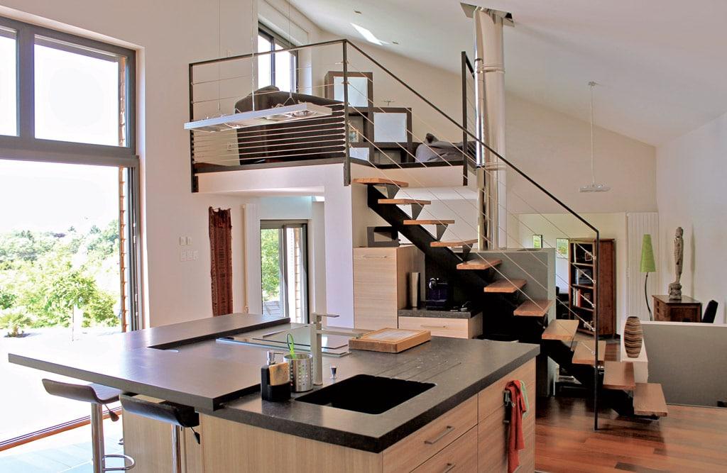 Beautiful Escalier Cuisine Ouverte Images - Joshkrajcik.us ...