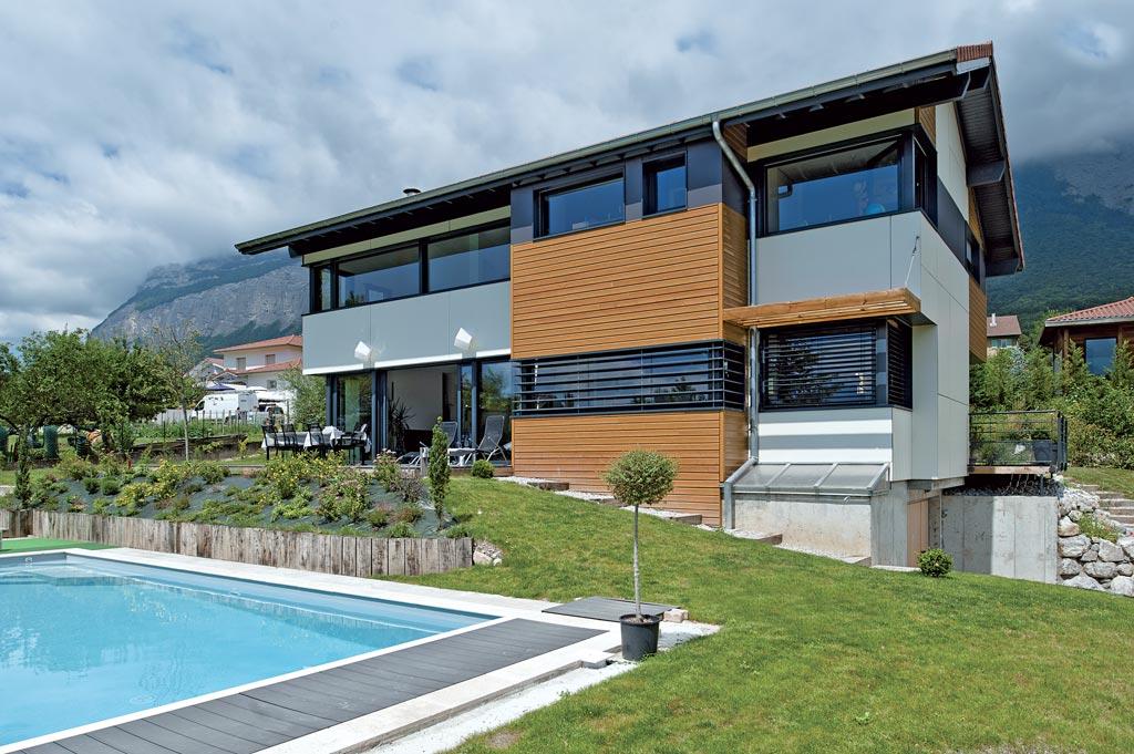 Couleurs sur belledonne architecture bois magazine for Chauffage piscine au bois fait maison