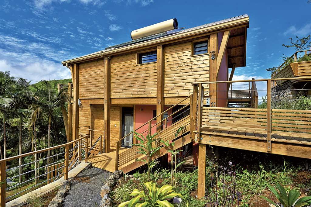 La bulle verte architecture bois magazine maisons bois - Construction maison ile de la reunion ...