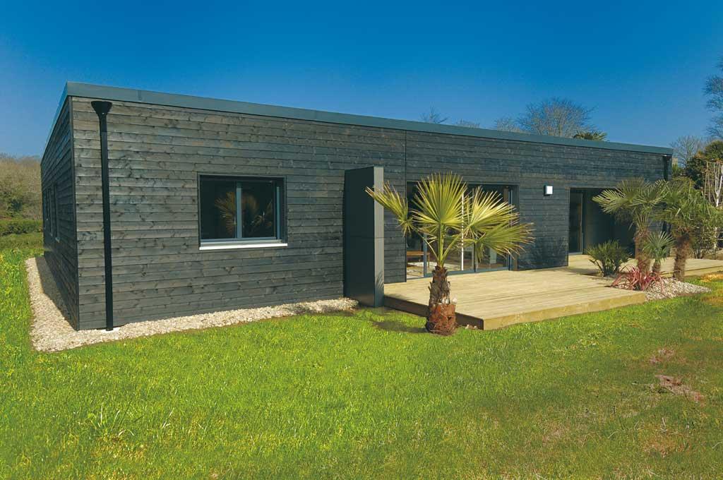 reportage la maison cube architecture bois magazine maisons bois construction. Black Bedroom Furniture Sets. Home Design Ideas