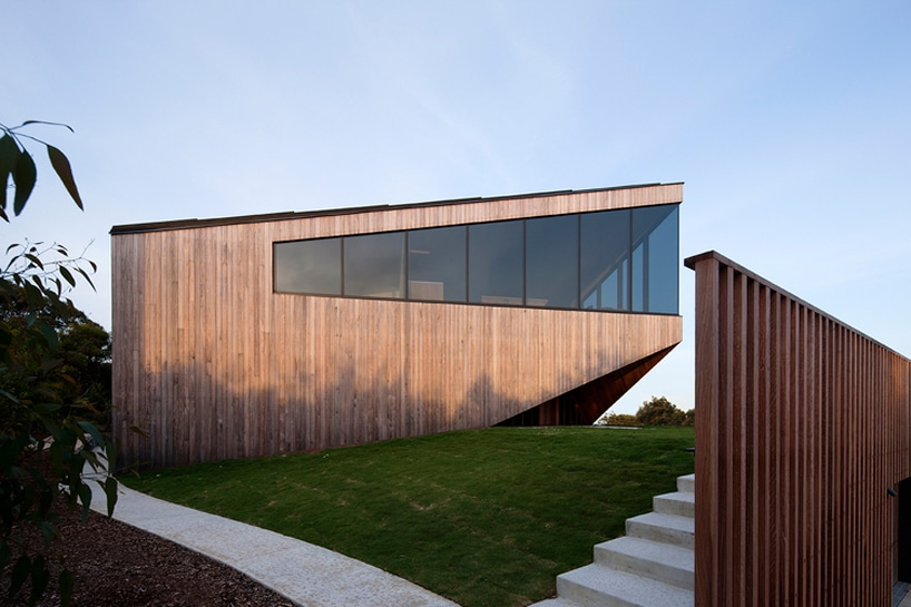 architecturebois-magazine-byrne-architects-aireys-house-torquay--01-818x545 (13)