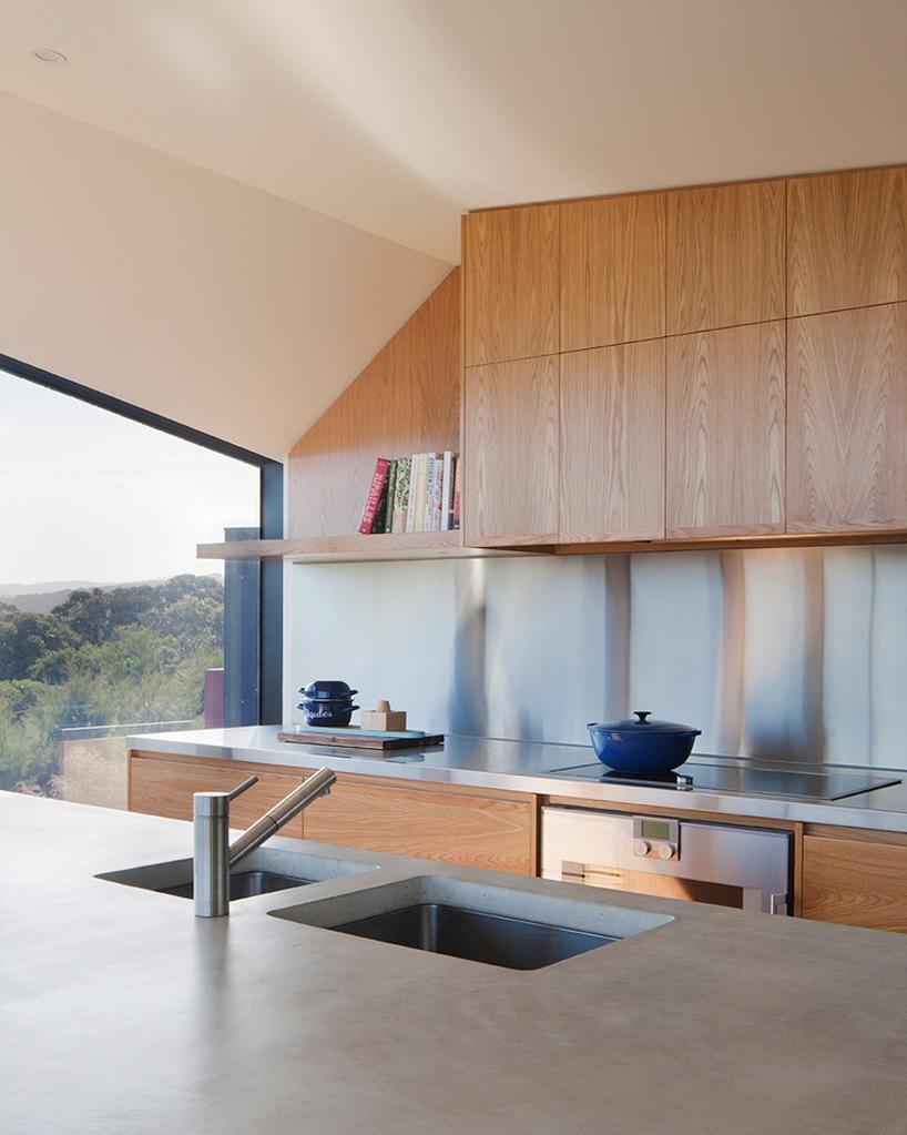 architecturebois-magazine-byrne-architects-aireys-house-torquay--01-818x545 (16)