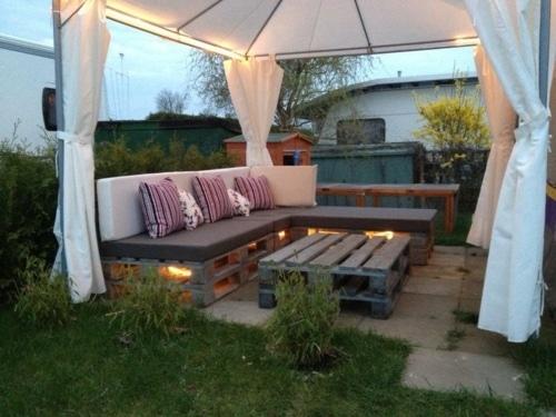 vue-salon-jardin-DIY-palette-bois – Architecture Bois Magazine
