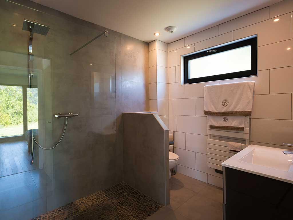 eportage-architecturebois-maison-dossier-kit-habitat-wood-house-bois-fenetre-rt2012-booa-gite-vosges