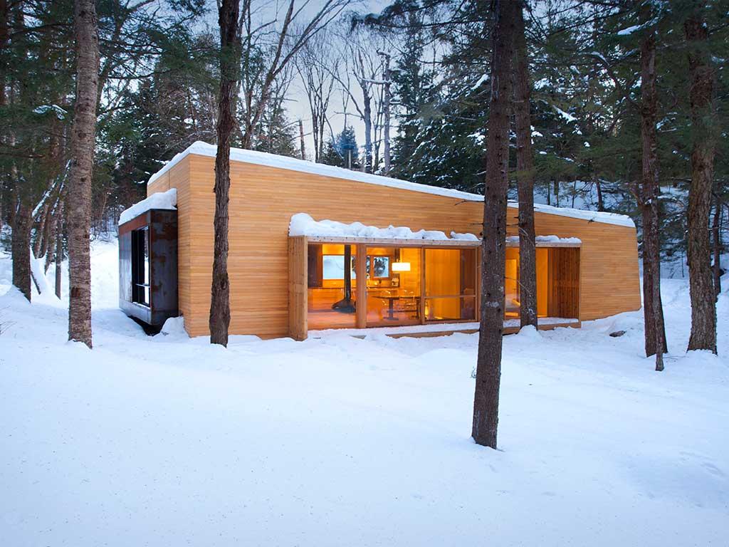 reportage-architecturebois-maison-dossier-kit-habitat-wood-house-bois-fenetre-rt2012-canada11
