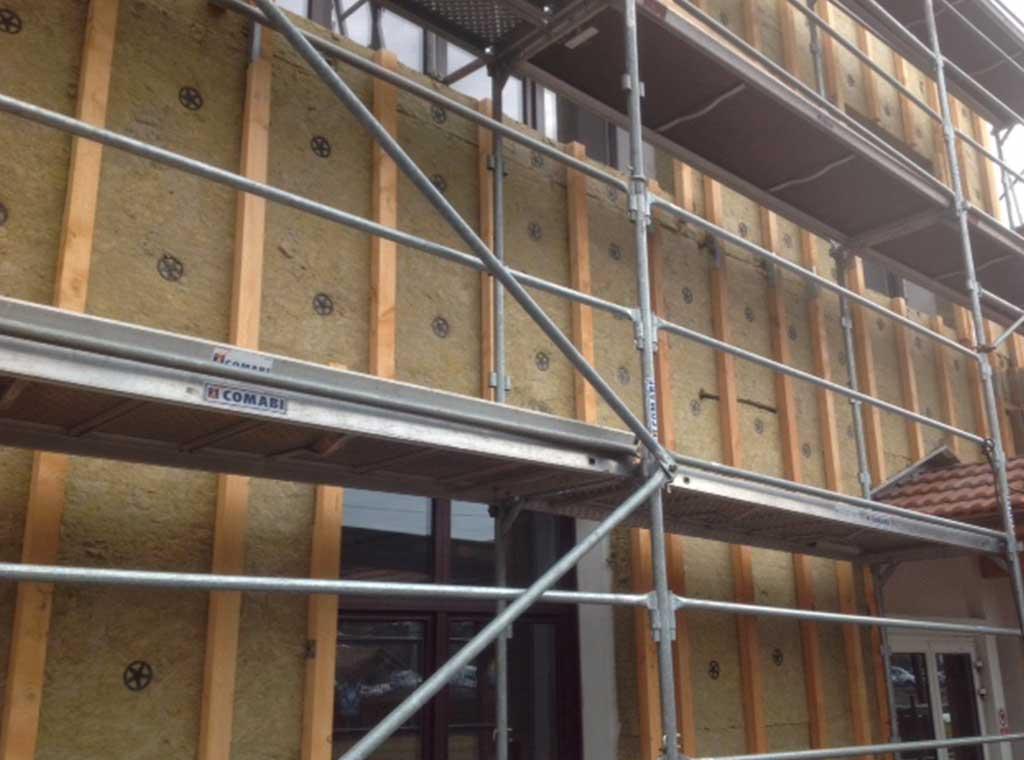 reportage-architecturebois-maison-dossier-kit-habitat-wood-house-bois-fenetre-rt2012-rockwool-7