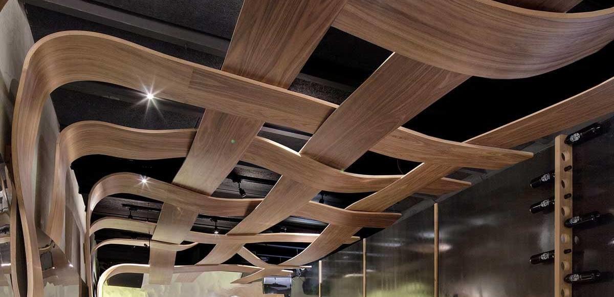 design un plafond en bois original pour un restaurant corse architecture bois magazine. Black Bedroom Furniture Sets. Home Design Ideas
