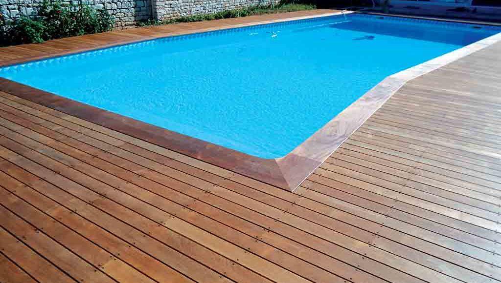 de la terrasse à la piscine - architecture bois magazine - maisons