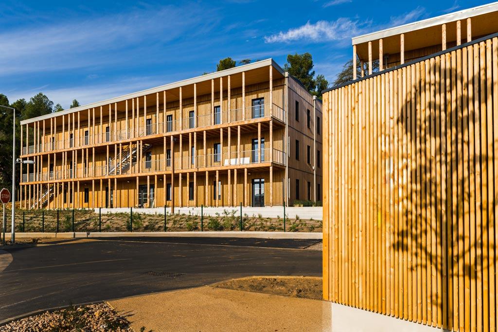 ywood aix l ensoleill e architecture bois magazine maisons bois construction. Black Bedroom Furniture Sets. Home Design Ideas