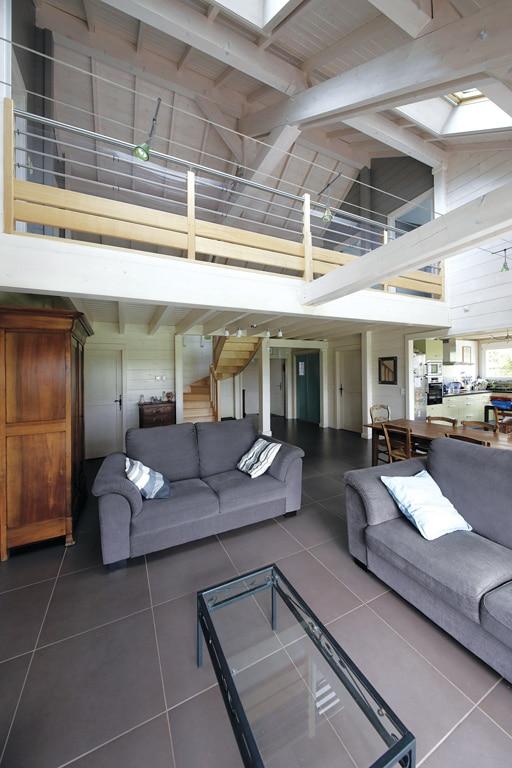 architecture bois magazine habitation mezzanine maison interieur decoration amenagement salon. Black Bedroom Furniture Sets. Home Design Ideas