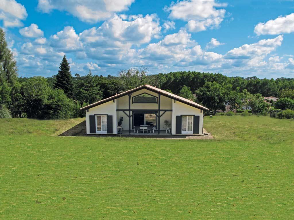 En toute autonomie architecture bois magazine maisons bois construction architecture - Reportage construction maison ...