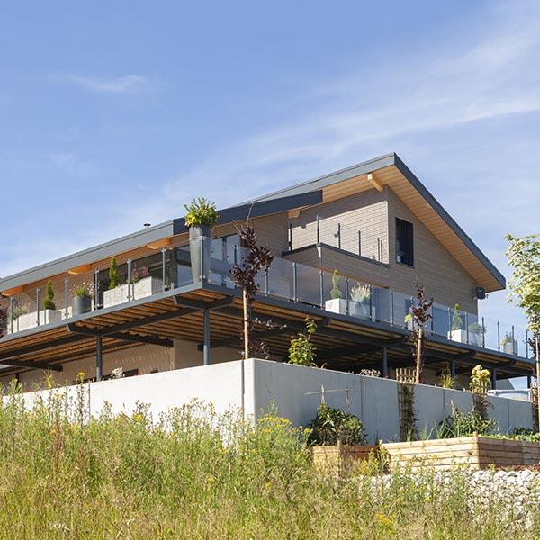 Maison bois à l'architecture découpée - Myotte Duquet
