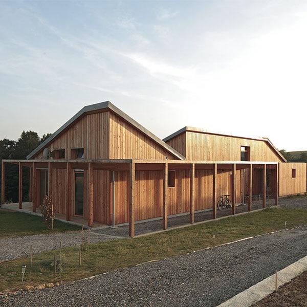 Maison bois asymétrique - Hervé Ceneda